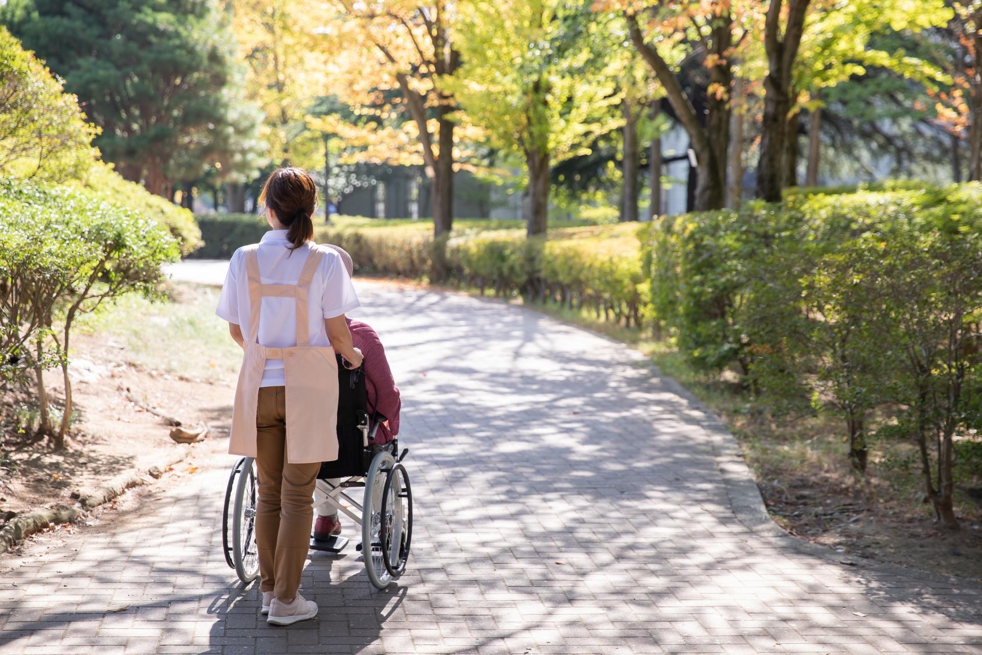 介護に復職したら最大で20~40万円!介護職の再就職準備金とは?