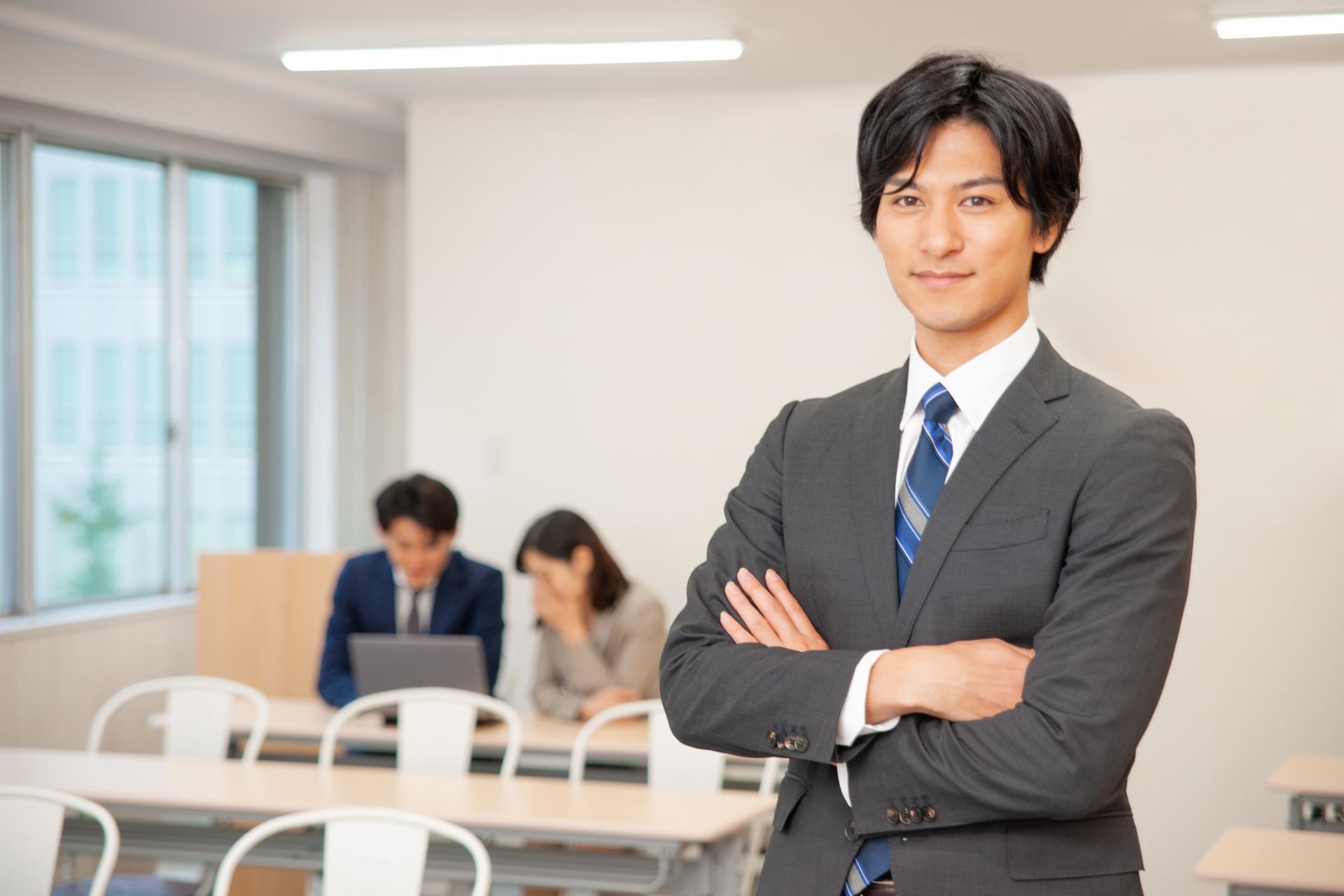 ☆介護の営業職のお仕事内容・なり方・資格要件・給料を調査しました