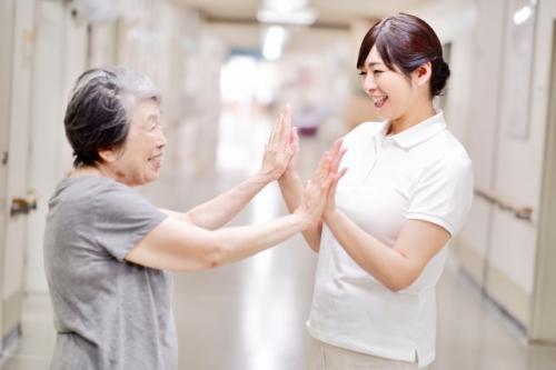 【特別養護老人ホーム】神奈川県小田原市:正社員介護職(介護福祉士)リーダー